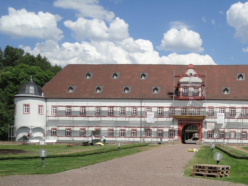17-Schloss-Heusenstamm.JPG