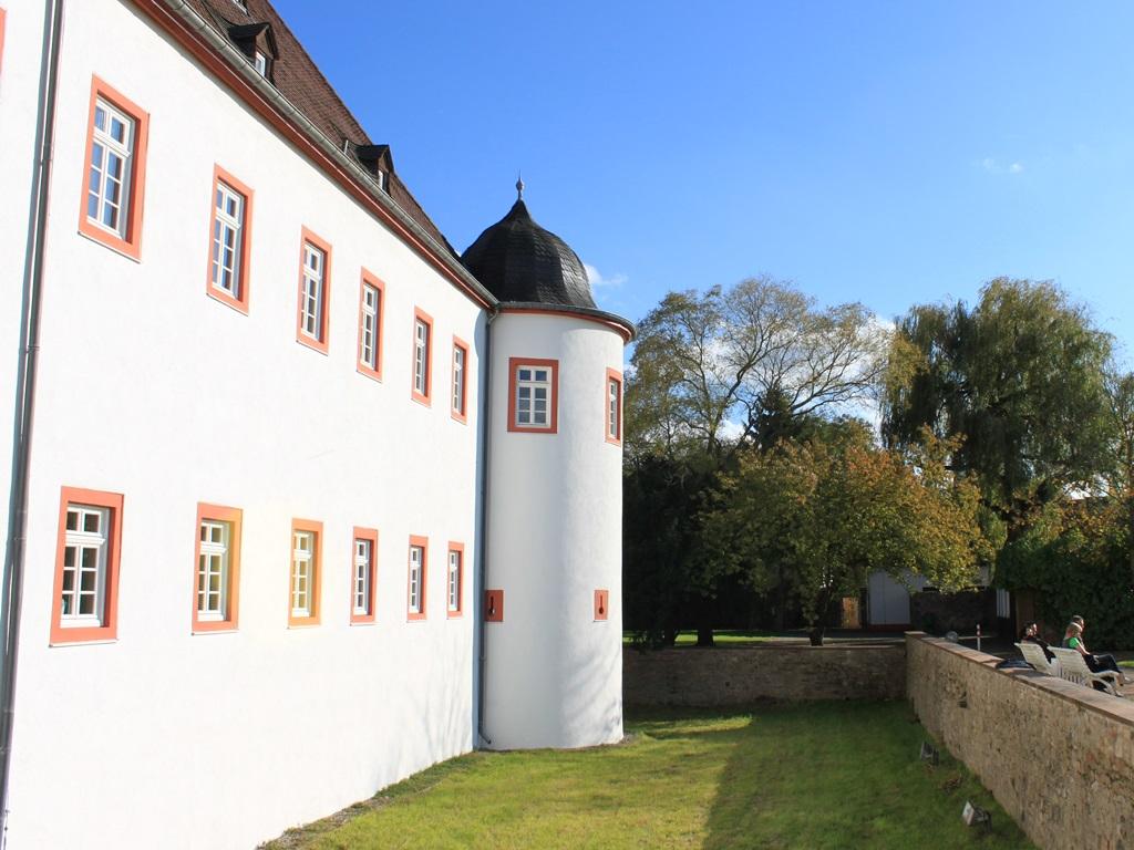 18-Schloss-Heusenstamm.JPG